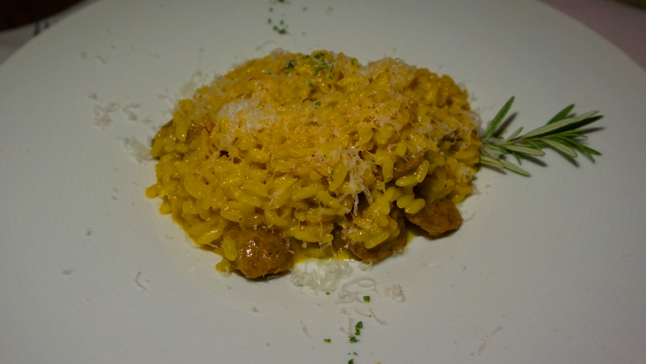Risotto with sausage and saffron