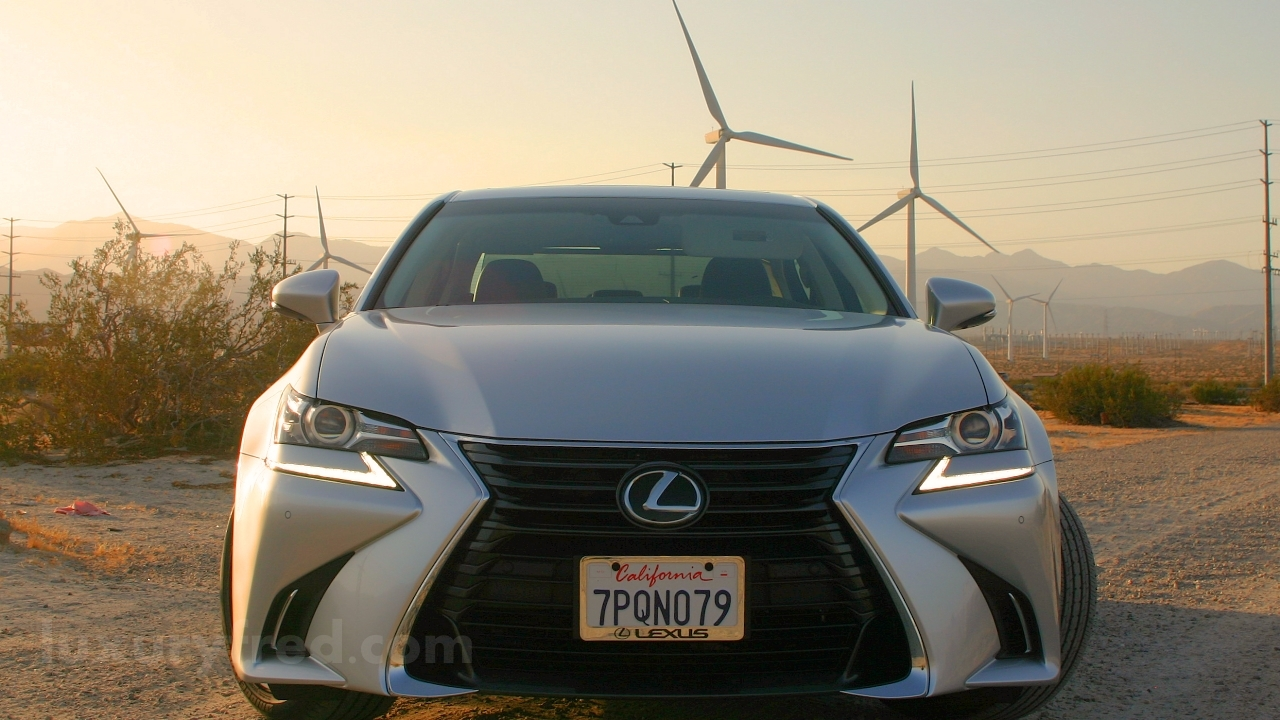 2016 Lexus GS200t front end