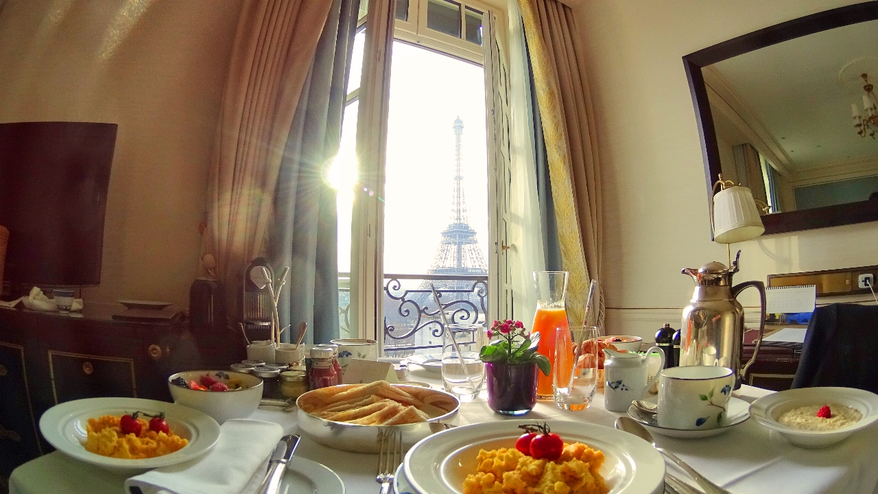 Room service in Paris